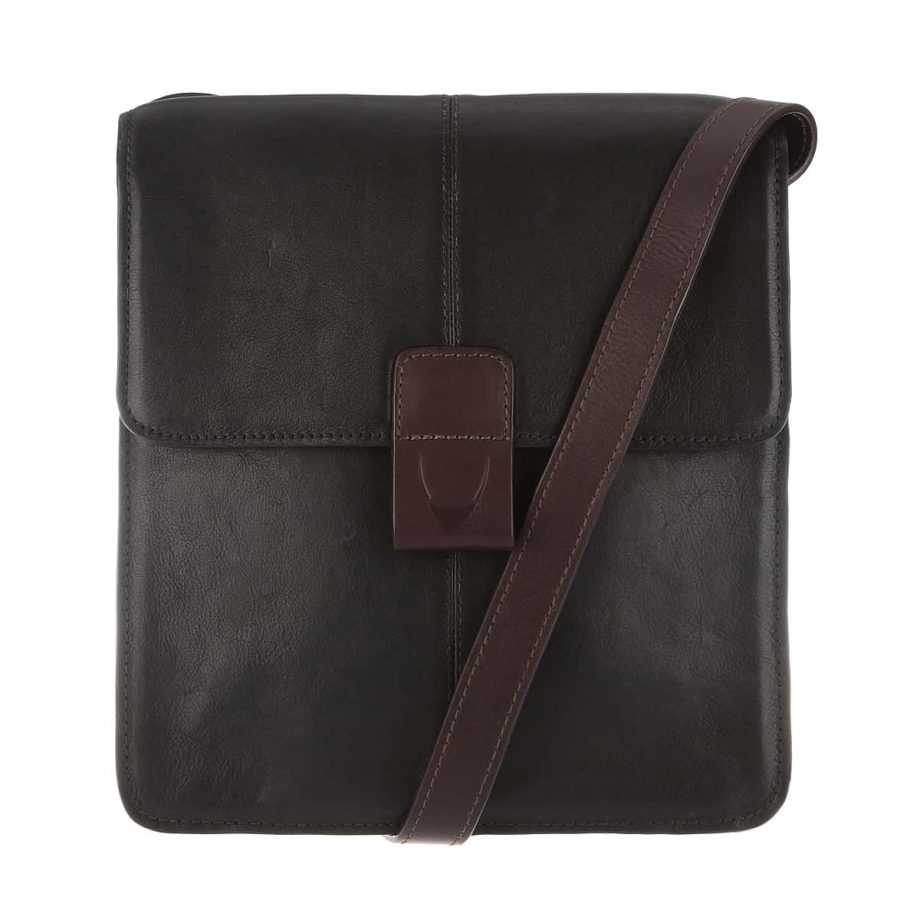 A front view of the Arad 03 cross body black-brown dispatch Ranchero vegetable tanned leather bag with the strap
