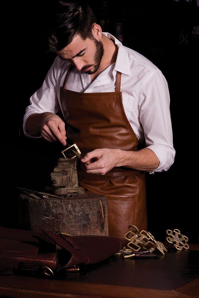skilled crafting handmade belt buckle