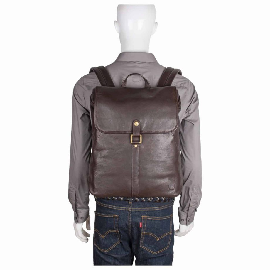 A full image of the Brown Brosnam leather backpack how does it look like on you.