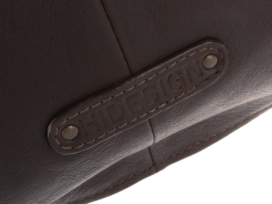 Hidesign logo detail on vespucci brown city bag